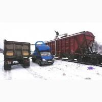 Погрузка вагонов - зерновозов (из машины в вагон)