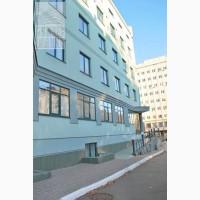 Отдельно стоящего здания площадью 4440 м2. К метро Берестейская, Киев